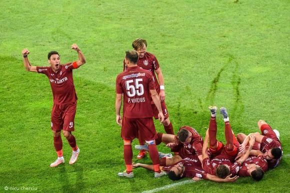 Liga1: Otthon mégsem hibázhat egy bajnok...