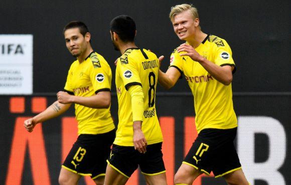 Bundesliga: a Dortmund feltörölte a padlót a Schalkéval