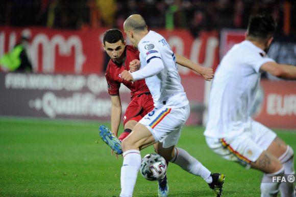 Vb-selejtező: Piros lap, öt gól és tizenegyes, Örményország megverte Romániát!