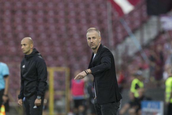 Edzőcserékben Európa-bajnok a román labdarúgóliga