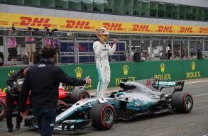 Spanyol Nagydíj: Megvan Hamilton 100. pole-pozíciója