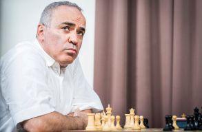 Carlsen és Nakamura végzett az élen, Kaszparov nyolcadik