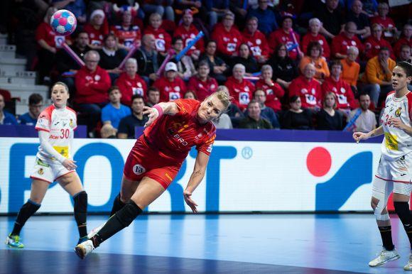 Kézi-Eb: szenvedve nyert a román, nehéz helyzetben a magyar válogatott
