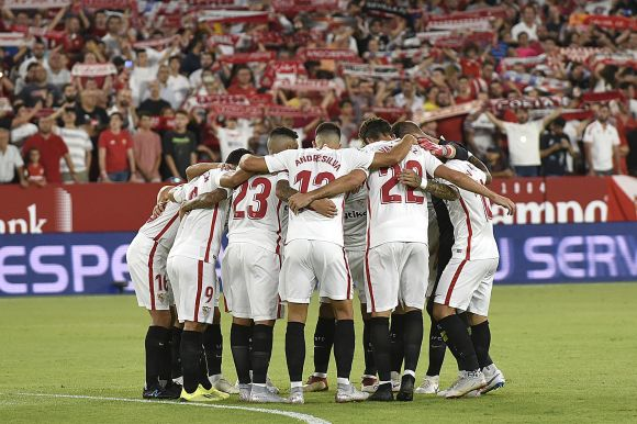 Előzött és LaLigaelső a Sevilla FC